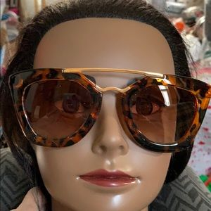 New in case Sexy Sunglasses for women
